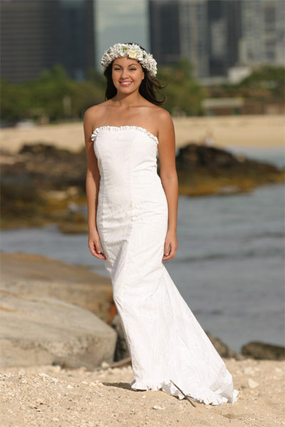 Be aware of the dress etiquette for beach wedding for Best wedding dresses for beach weddings